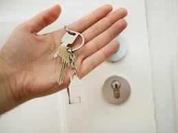 Temas de seguridad para casas: ¿Por qué los ladrones seleccionan tu propiedad?